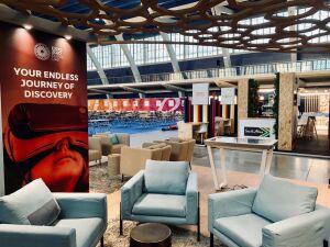 mesa-interactiva-en-el-stand-de-expo-dubai-2020