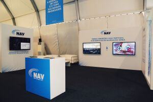 portugal-air-summit-2019-nav-stand-with-55-lcd