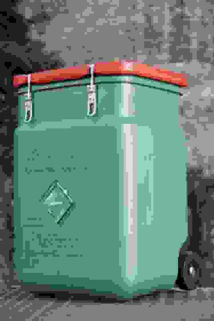 O SaCon, o contentor de segurança da MEWA, serve para guardar e transportar os panos de limpeza de forma segura e organizada e ocupa pouco espaço foto_MEWA