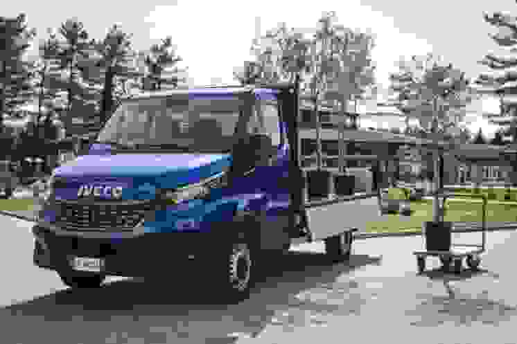 07-iveco_newdaily_cab tippe