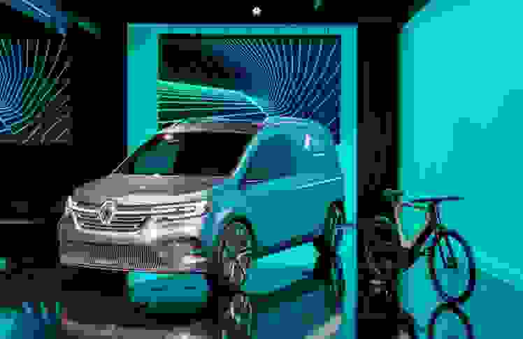 21225127_2019_-_Renault_Light_Commercial_Vehicles_Range