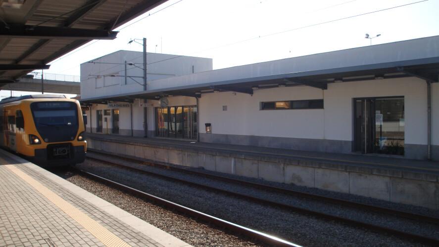 estacao-ferroviaria-de-vila-das-aves-mantem-o-mesmo-nome
