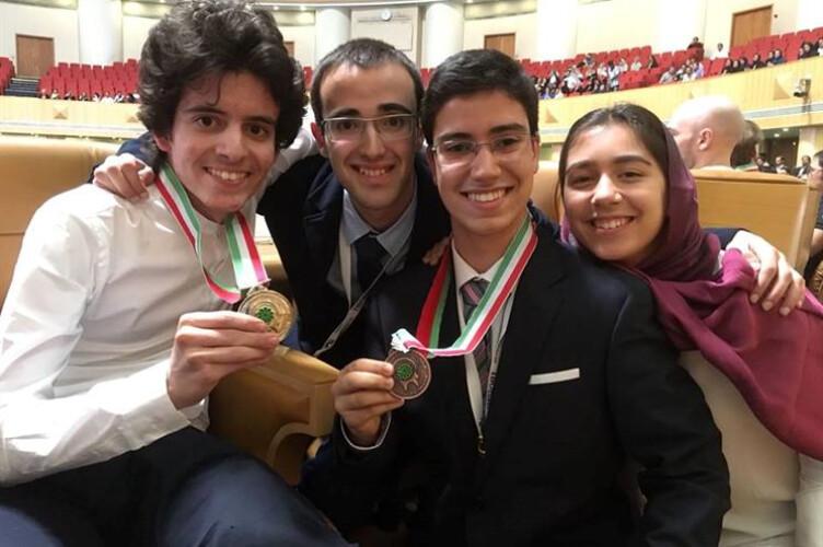tres-estudantes-portugueses-medalhados-nas-olimpiadas-de-biologia