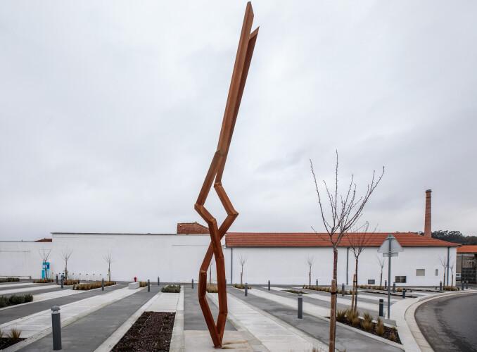 nova-escultura-do-miec-tirsa