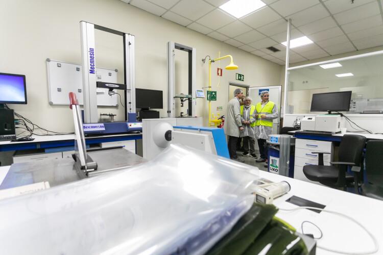 empresa-de-santo-tirso-fabrica-plastico-com-materiais-reciclados
