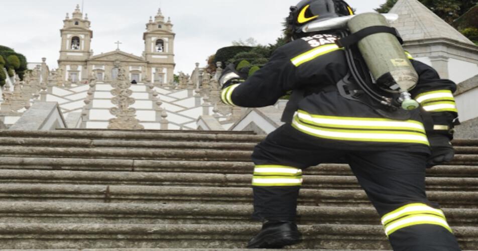 centenas-de-bombeiros-vao-subir-o-bom-jesus-de-braga
