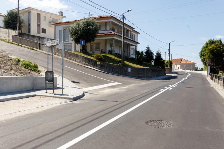 obras-no-entroncamento-da-rua-das-cachadas-concluidas