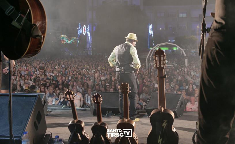 animado-concerto-de-augusto-canario-inaugura-palco-principal