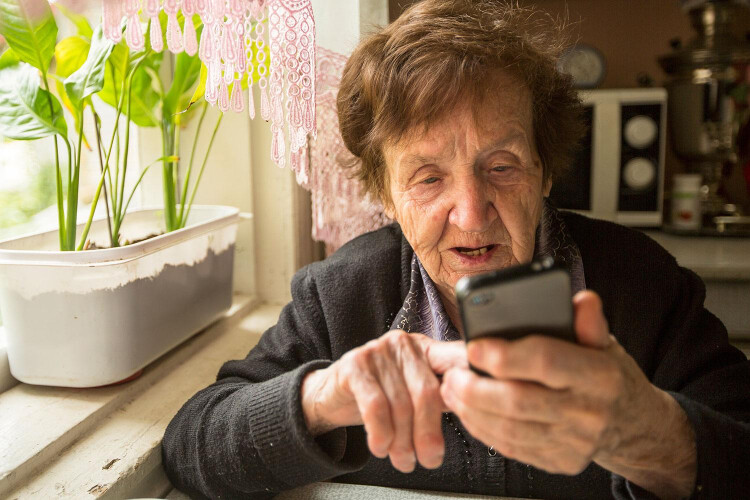 utentes-de-santo-tirso-passam-a-receber-alertas-de-consultas-por-sms