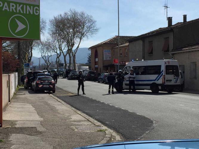 atacante-que-se-barricou-em-supermercado-foi-abatido-pela-policia
