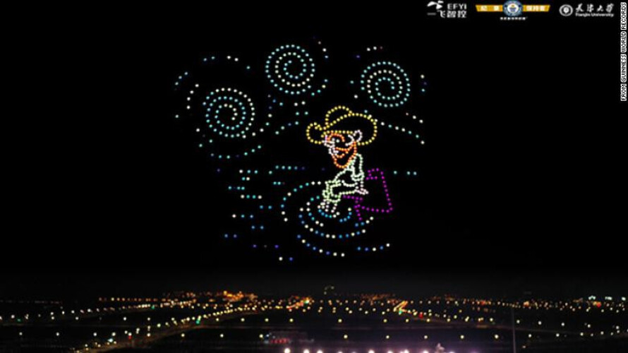 centenas-de-drones-levaram-a-noite-estrelada-de-van-gogh-aos-ceus