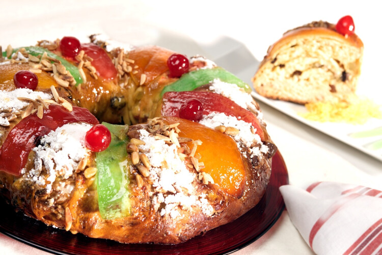 bolo-rei-com-ou-sem-fruta-cristalizada