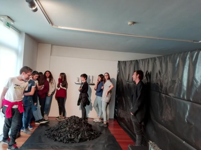 estudantes-descobrem-a-arte-de-manuel-horta