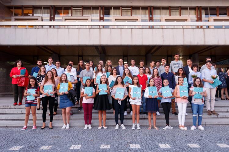 45-alunos-receberam-premio-de-merito-escolar