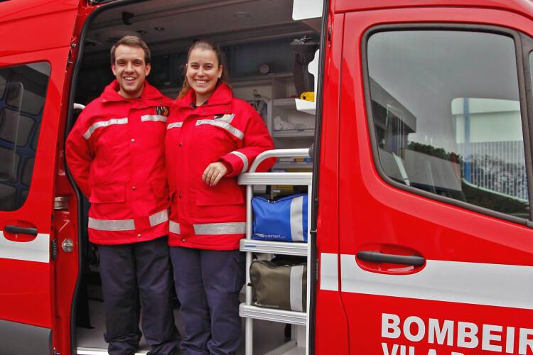 bebe-nasce-em-ambulancia-dos-bombeiros-voluntarios-de-vila-das-aves