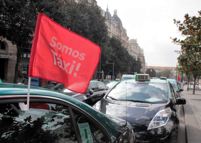 taxistas-mantem-protesto-ate-serem-recebidos-em-belem