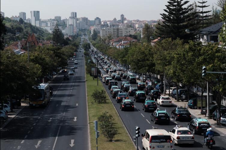portugal-tem-emissoes-de-dioxido-de-carbono-de-carros-novos-mais-baixa