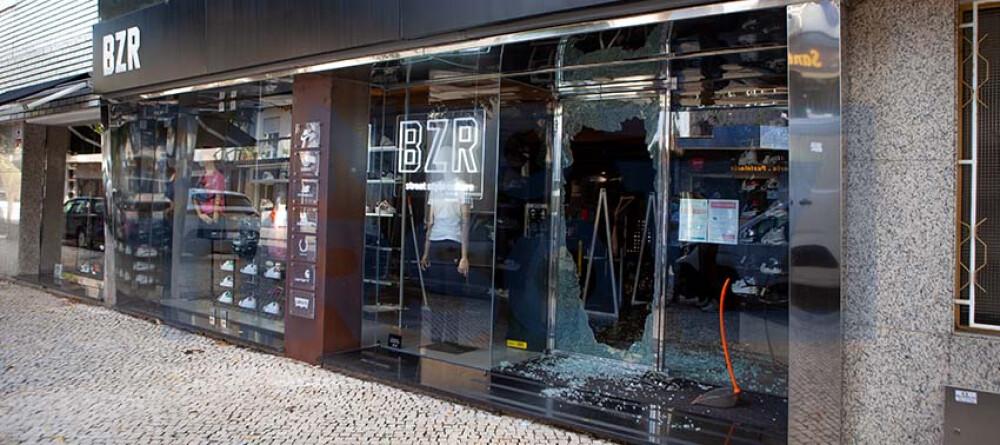 bazar-desportivo-assaltado