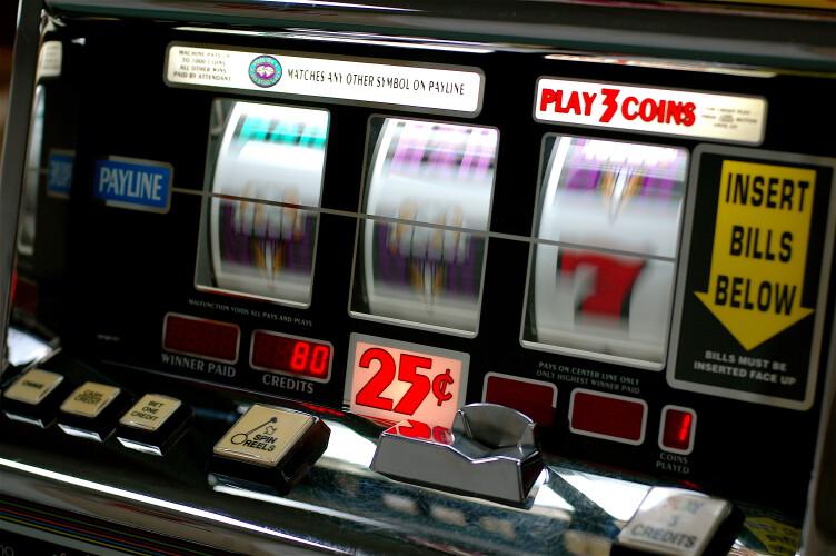 maquinas-de-jogo-ilegal-apreendidas-em-santo-tirso