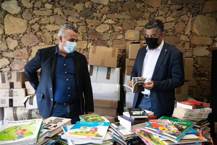 santo-tirso-envia-20-mil-livros-para-escolas-da-guine-bissau