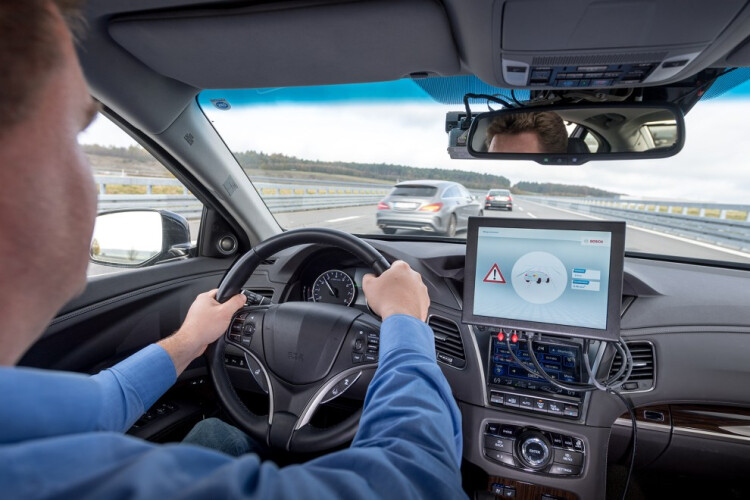tres-empresas-tornam-possivel-a-comunicacao-inteligente-entre-carros