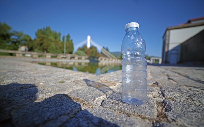 devolver-garrafas-de-plastico-vai-passar-a-render-2-ou-5-centimos