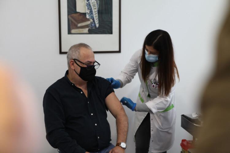 farmacias-querem-vacinar-700-mil-pessoas-contra-a-gripe