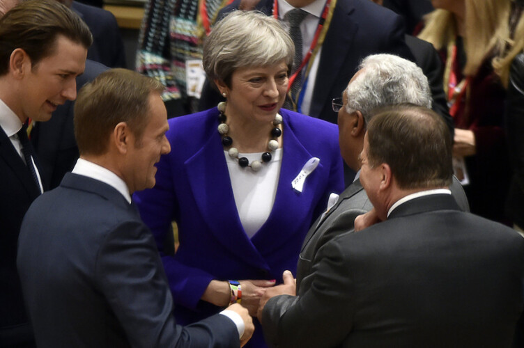 costa-encontra-se-hoje-com-theresa-may-para-preparar-pos-brexit