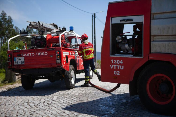 incendio-em-lamelas-mobiliza-mais-de-30-bombeiros