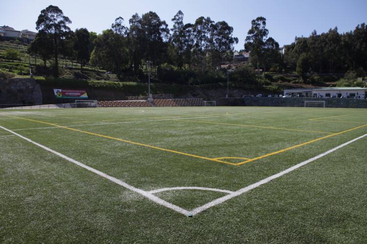 construcao-da-cobertura-da-bancada-da-uniao-desportiva-social-de-roriz