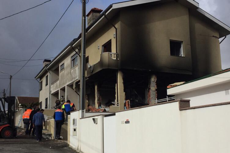 explosao-numa-habitacao-faz-dois-feridos-graves-em-valongo