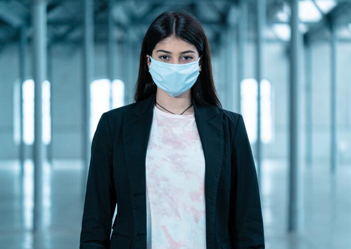 mascara-revolucionaria-tirsense-sera-vendida-em-loja-online