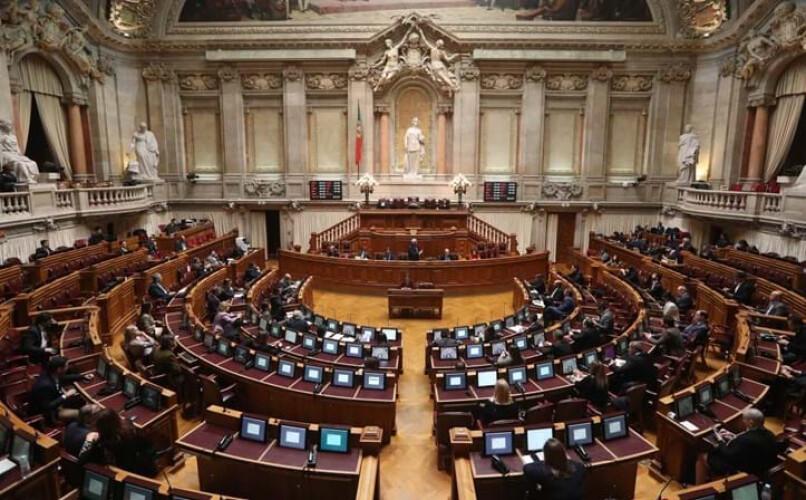 parlamento-aprova-prolongamento-do-estado-de-emergencia