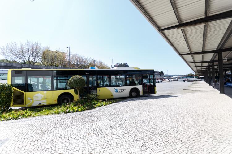 transportes-publicos-arrancam-em-santo-tirso-com-servicos-minimos