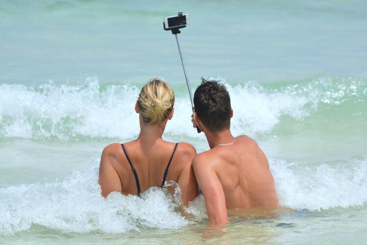 e-se-as-selfies-matarem-mais-que-ataques-de-tubaroes