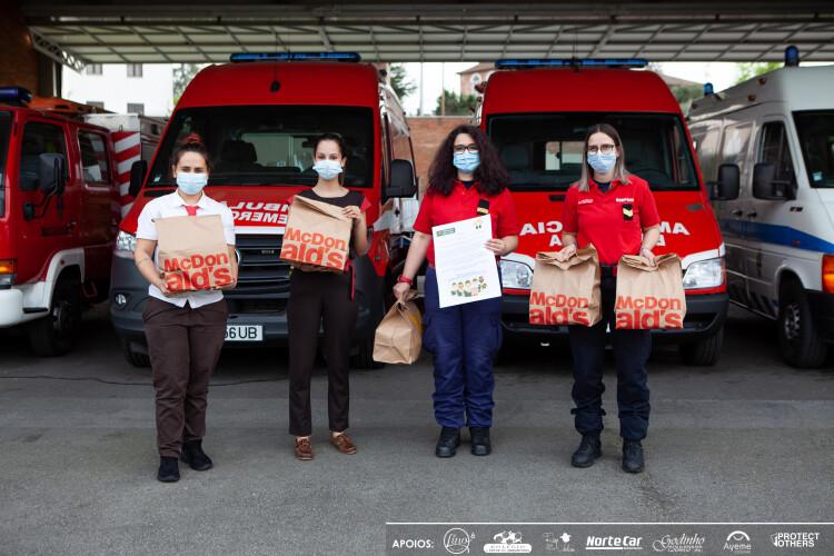 mcdonalds-de-santo-tirso-oferece-refeicoes-aos-bombeiros-vermelhos