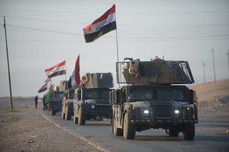 iraquianos-celebram-derrota-historica-do-isis-em-mossul