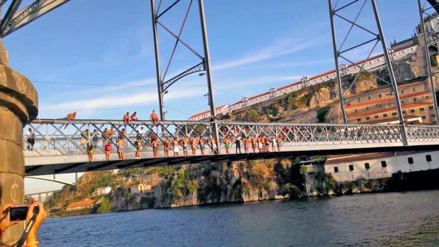 saltos-da-ponte-luis-i-em-novo-filme-de-bollywood