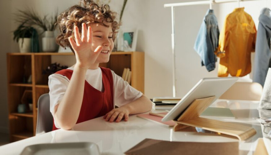 como-ajudar-as-criancas-a-socializar-durante-a-quarentena