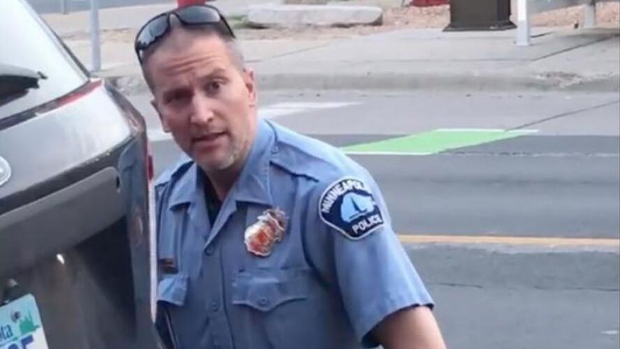 policia-que-matou-george-floyd-acusado-de-homicidio-intencional