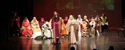 coro-senior-sobe-a-palco-em-musical-dedicado-a-d-dinis-e-d-isabel
