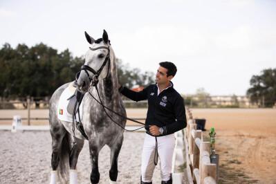 Roberto Brasil é capa da Revista Equitação