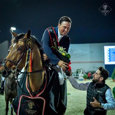 Hino nacional toca em Abu Dhabi