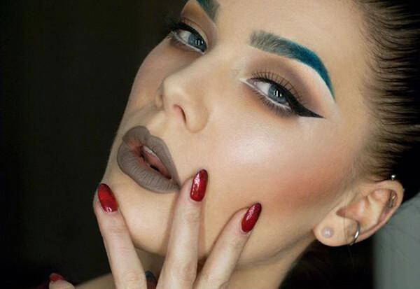 sobrancelhas-coloridas-tendências-de-maquilhagem-em-2019