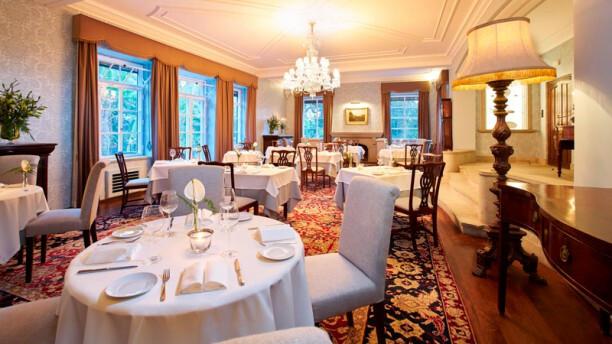 Dinning-Room-visitar-a-Madeira