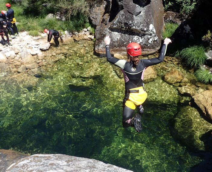 escapadinhas-no-norte-Canyoning-no-Gerês-atividades-no-norte